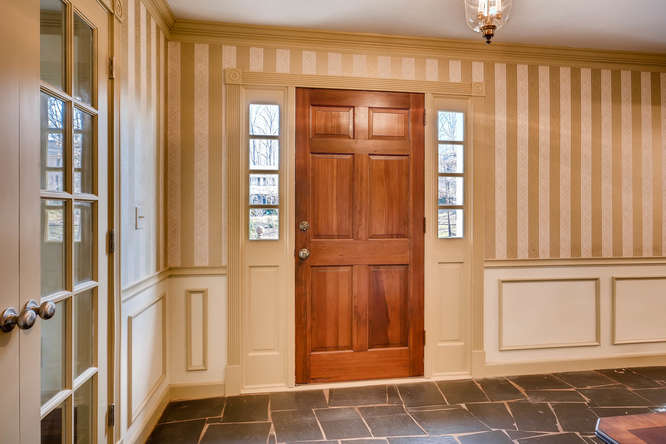 2548 Midvale Forest Drive-small-005-40-Foyer-666x445-72dpi