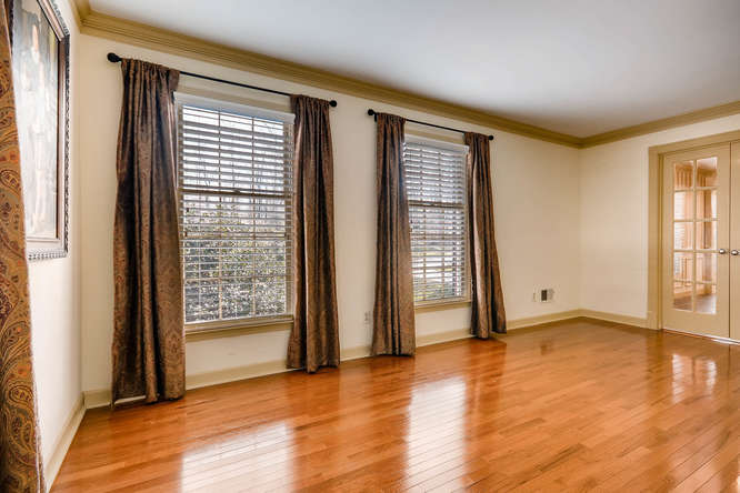 2548 Midvale Forest Drive-small-008-8-Living Room-666x445-72dpi