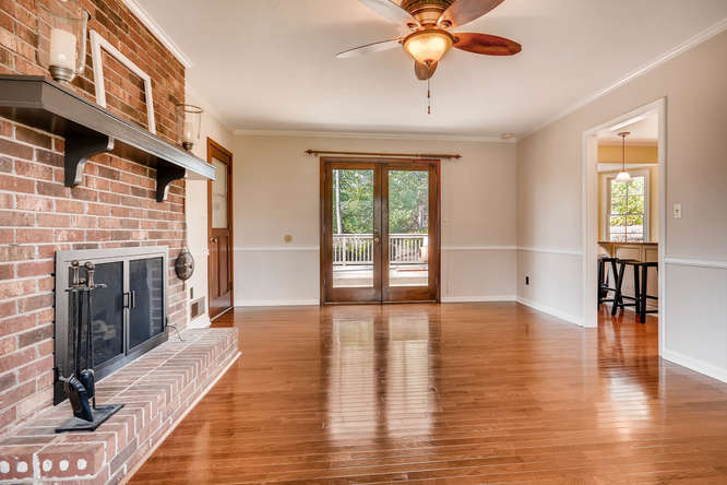 2548 Midvale Forest Drive-small-017-31-Family Room-666x444-72dpi
