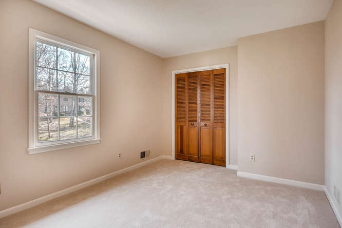 2548 Midvale Forest Drive-small-026-23-2nd Floor Bedroom-666x445-72dpi