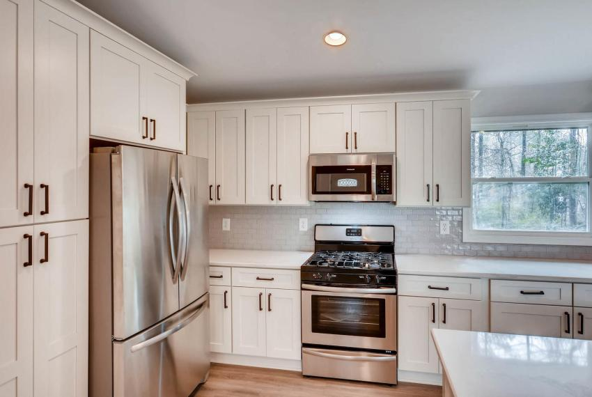 2991 Marlin Drive Atlanta GA-large-012-31-Kitchen-1499x1000-72dpi