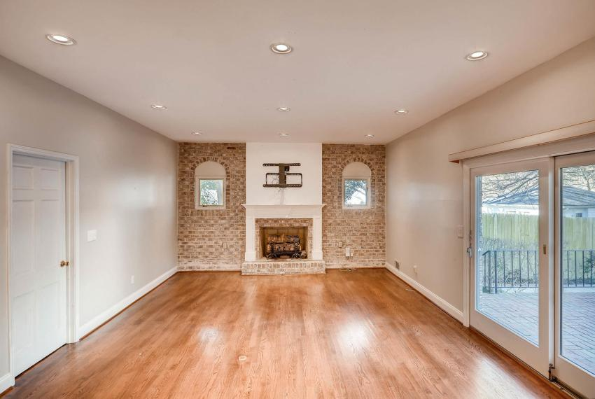 2620 Briarlake Rd NE Atlanta-large-017-39-Lower Level Family Room-1499x1000-72dpi