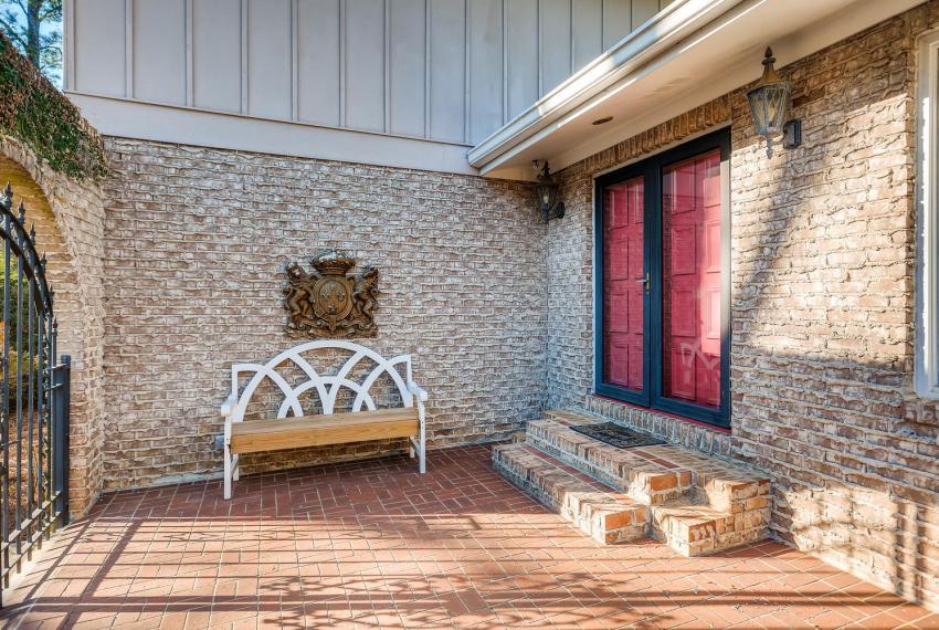 2620 Briarlake Rd NE Atlanta-large-042-36-Courtyard-1499x1000-72dpi