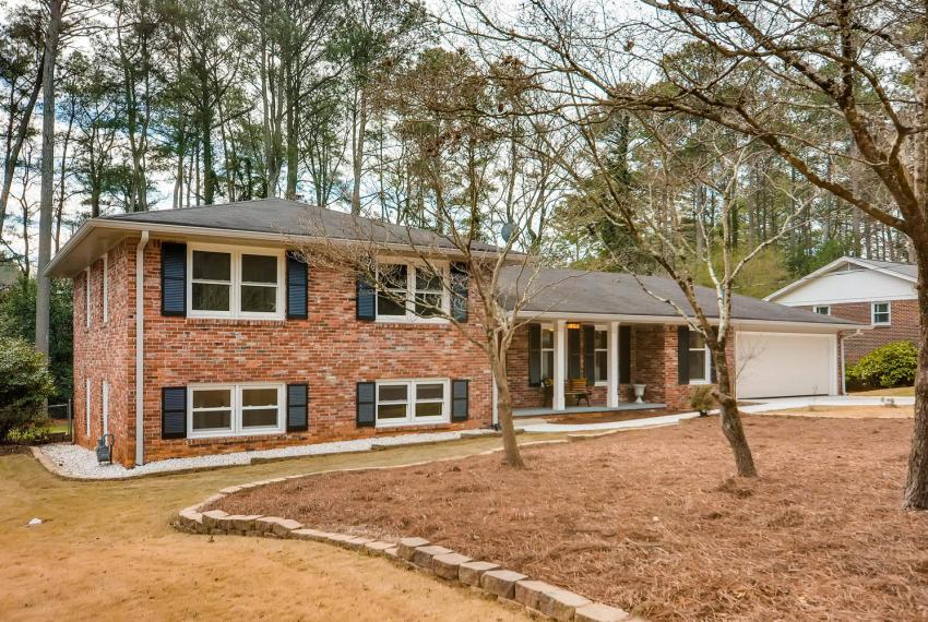 3075 Greenbrook Way NE Atlanta-large-003-18-Exterior Front-1500x1000-72dpi
