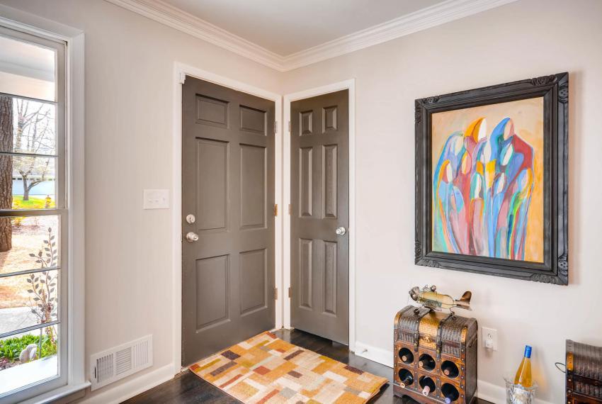2048 Zelda Dr NE Atlanta GA-large-009-2-Foyer-1499x1000-72dpi