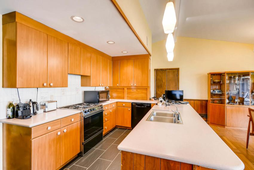 2072 Castleway Drive Atlanta-large-012-13-Kitchen-1499x1000-72dpi