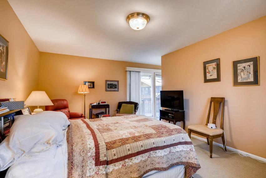 2072 Castleway Drive Atlanta-large-020-12-Master Bedroom-1499x1000-72dpi