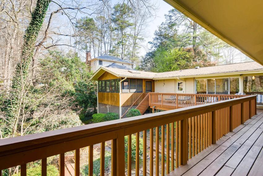 2072 Castleway Drive Atlanta-large-038-32-Deck-1499x1000-72dpi