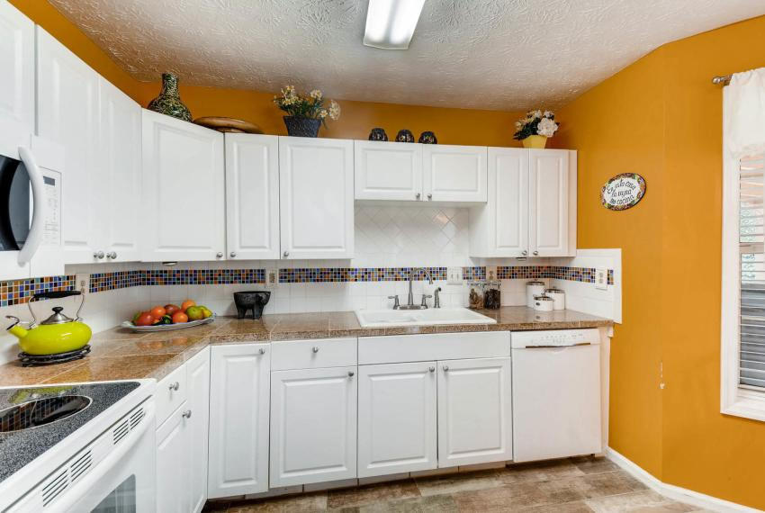2417 Empire Forest Dr Tucker-large-008-11-Kitchen-1499x1000-72dpi