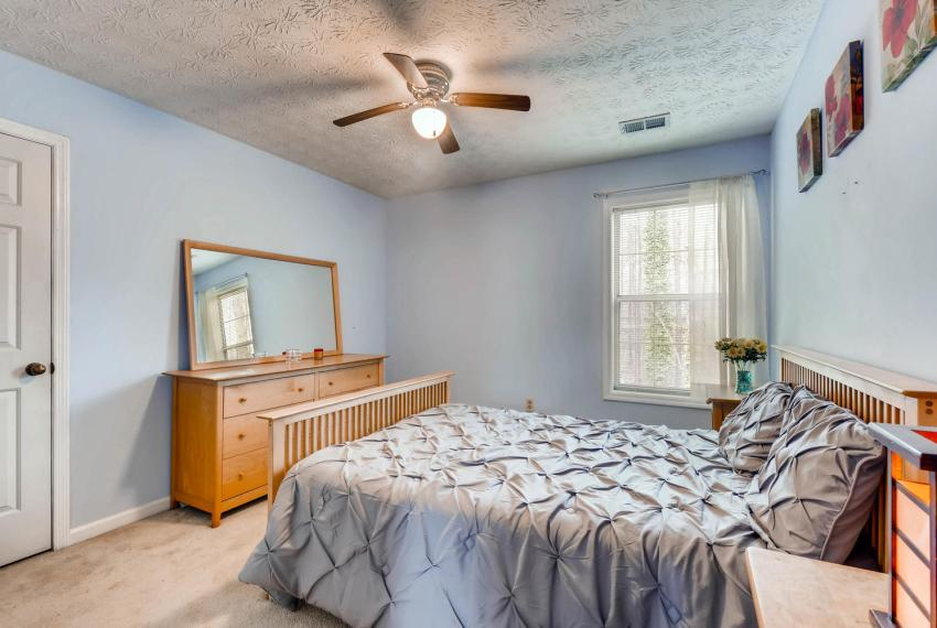 2417 Empire Forest Dr Tucker-large-018-17-2nd Floor Bedroom-1499x1000-72dpi