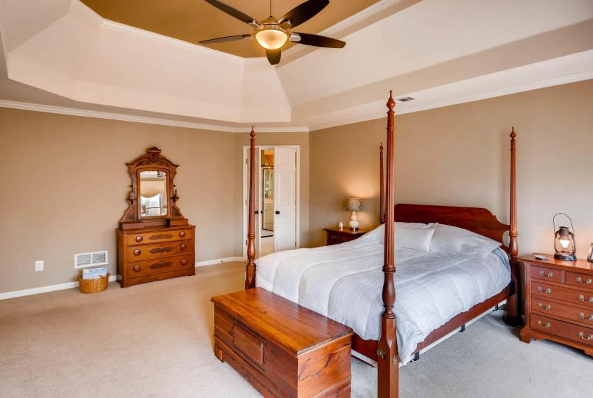 821 Lakeglen Drive Suwanee GA-large-021-22-2nd Floor Master Bedroom-1499x1000-72dpi