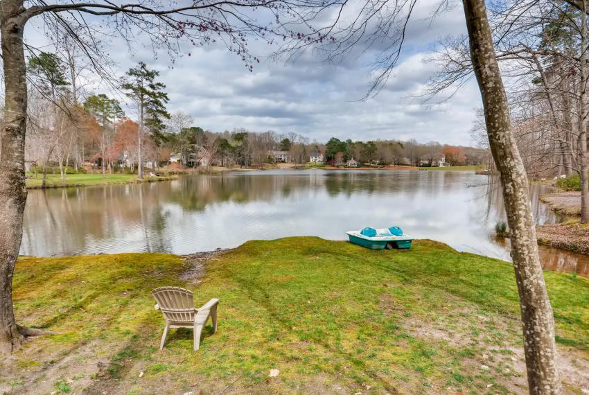 821 Lakeglen Drive Suwanee GA-large-042-41-Lake View-1499x1000-72dpi