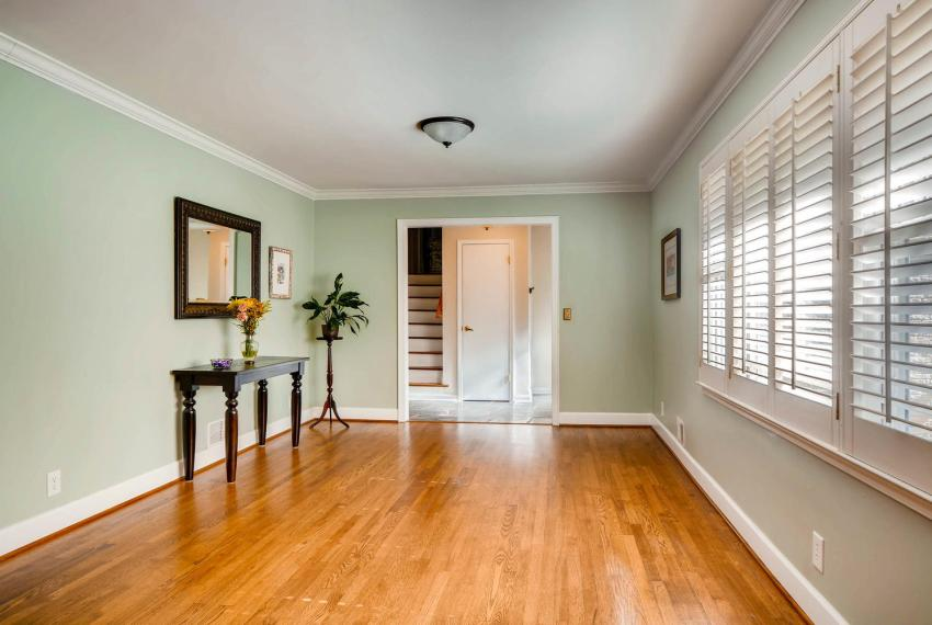 2895 Evans Woods Drive Atlanta-large-012-54-Living Room-1499x1000-72dpi