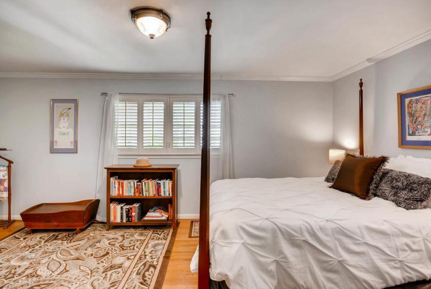 2895 Evans Woods Drive Atlanta-large-025-11-2nd Floor Master Bedroom-1500x1000-72dpi