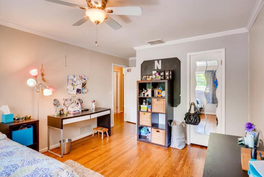 2895 Evans Woods Drive Atlanta-large-026-32-2nd Floor Bedroom-1499x1000-72dpi