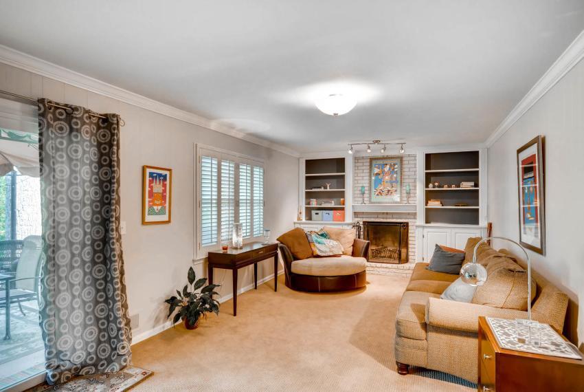 2895 Evans Woods Drive Atlanta-large-036-28-Lower Level Family Room-1499x1000-72dpi