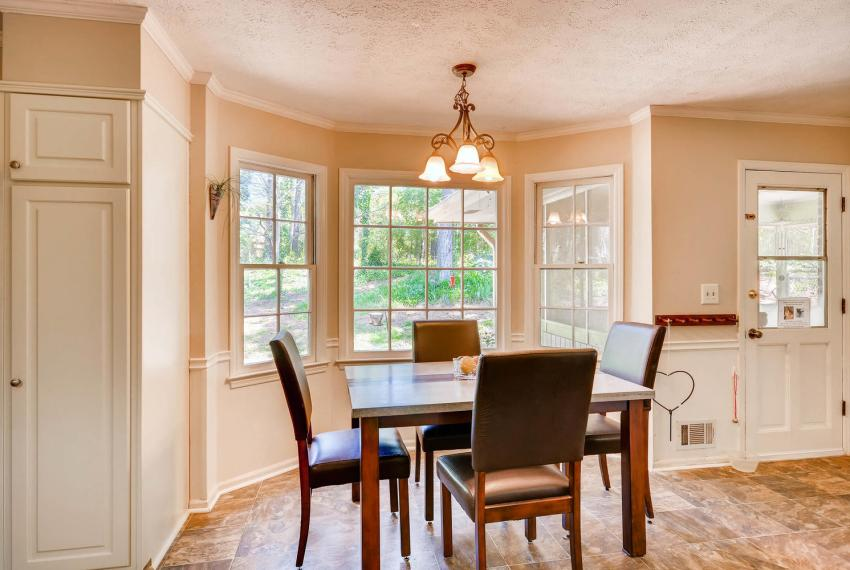 3961 Briaridge Circle Atlanta-large-020-13-Breakfast Area-1499x1000-72dpi