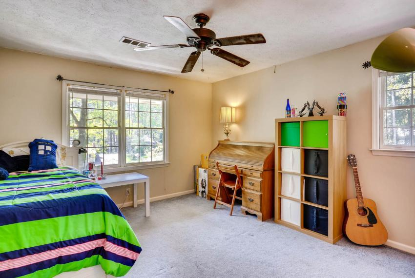 3961 Briaridge Circle Atlanta-large-028-30-2nd Floor Bedroom-1499x1000-72dpi