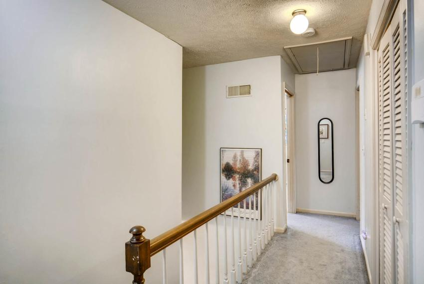 3961 Briaridge Circle Atlanta-large-031-24-2nd Floor Hallway-1499x1000-72dpi