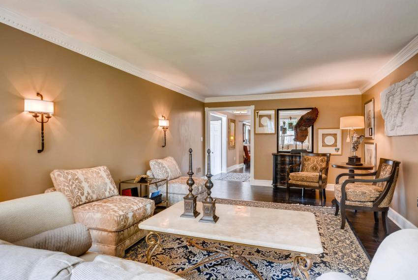 3982 Northlake Creek Ct Tucker-large-007-4-Living Room-1499x1000-72dpi
