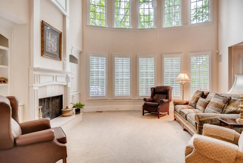 4477 Briarcliff Rd NE Atlanta-large-006-11-Great Room-1499x1000-72dpi