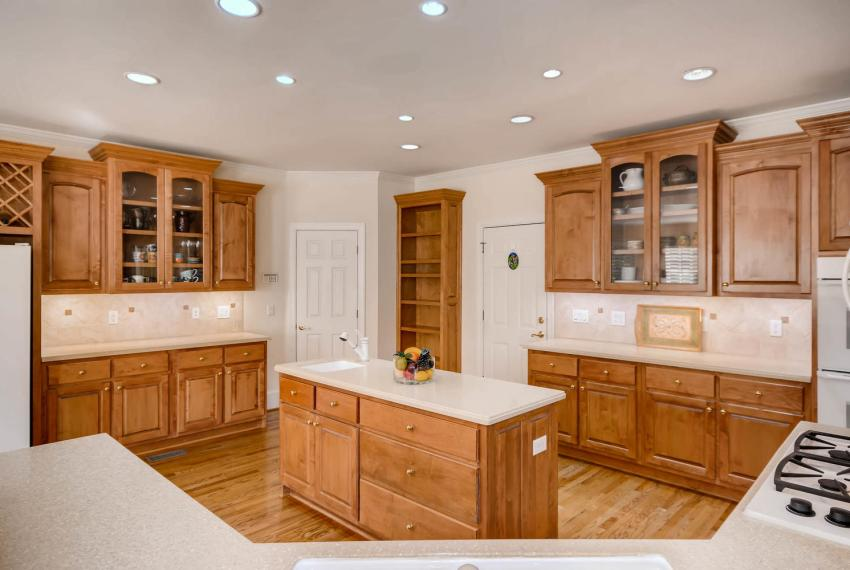 4477 Briarcliff Rd NE Atlanta-large-013-36-Kitchen-1499x1000-72dpi