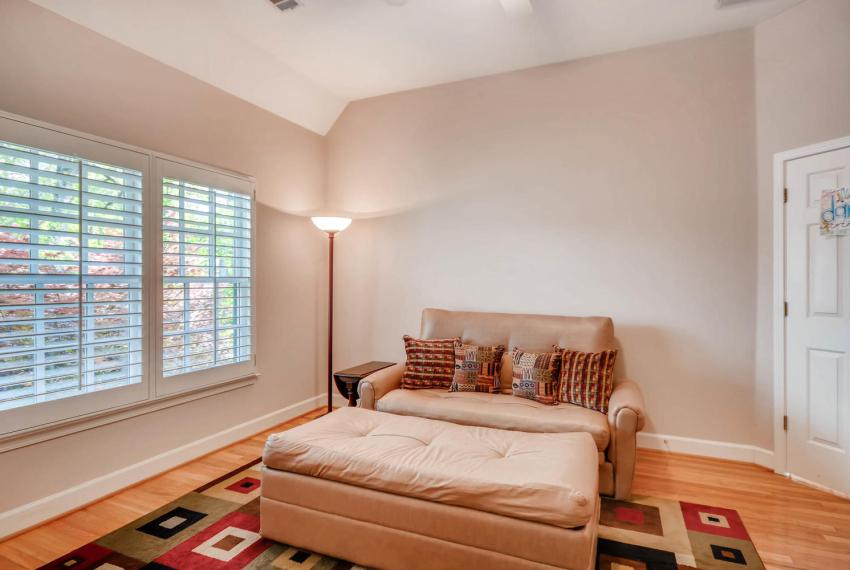 4477 Briarcliff Rd NE Atlanta-large-025-31-2nd Floor Bedroom-1499x1000-72dpi