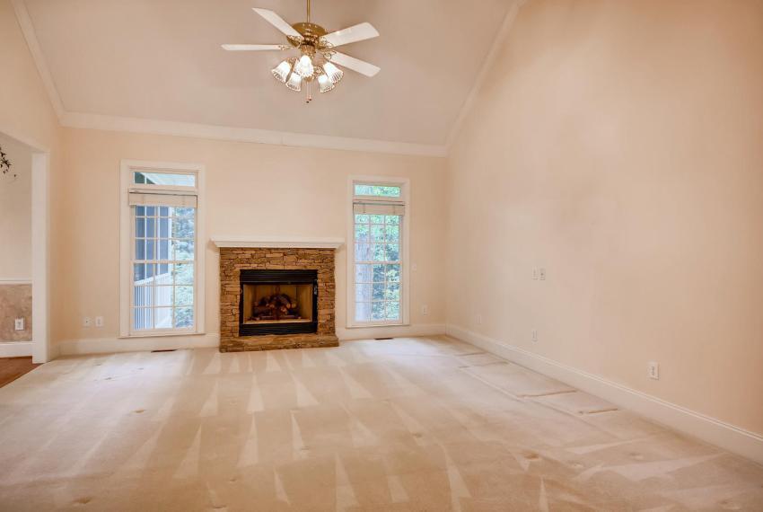 2514 Henderson Road Tucker GA-large-007-14-Living Room-1499x1000-72dpi