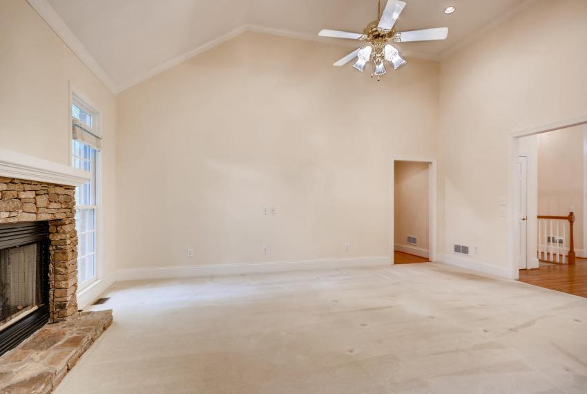 2514 Henderson Road Tucker GA-large-008-12-Living Room-1499x1000-72dpi