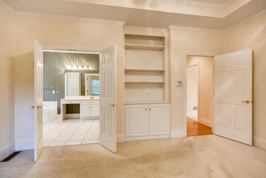 2514 Henderson Road Tucker GA-large-020-43-Master Bedroom-1499x1000-72dpi