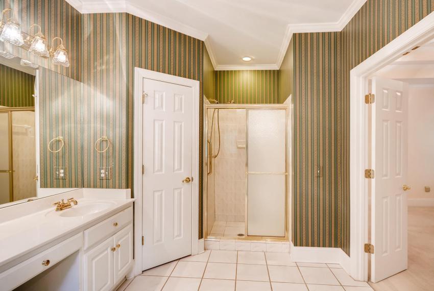 2514 Henderson Road Tucker GA-large-023-10-Master Bathroom-1499x1000-72dpi
