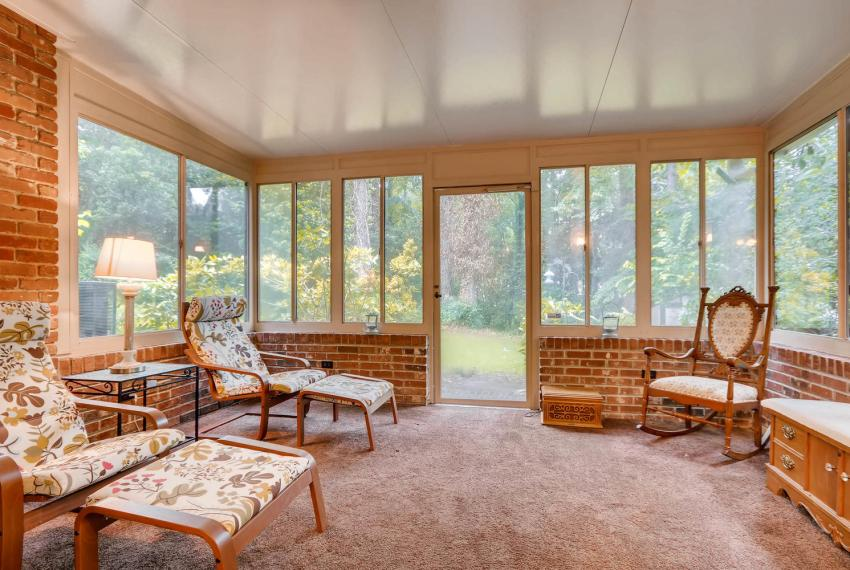 2794 Greenrock Trail Atlanta-large-030-21-Lower Level Sunroom-1499x1000-72dpi