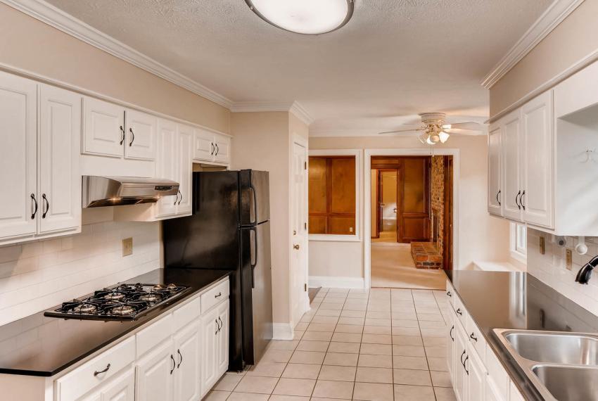 3592 Coldwater Canyon Ct-large-011-26-Kitchen-1499x1000-72dpi