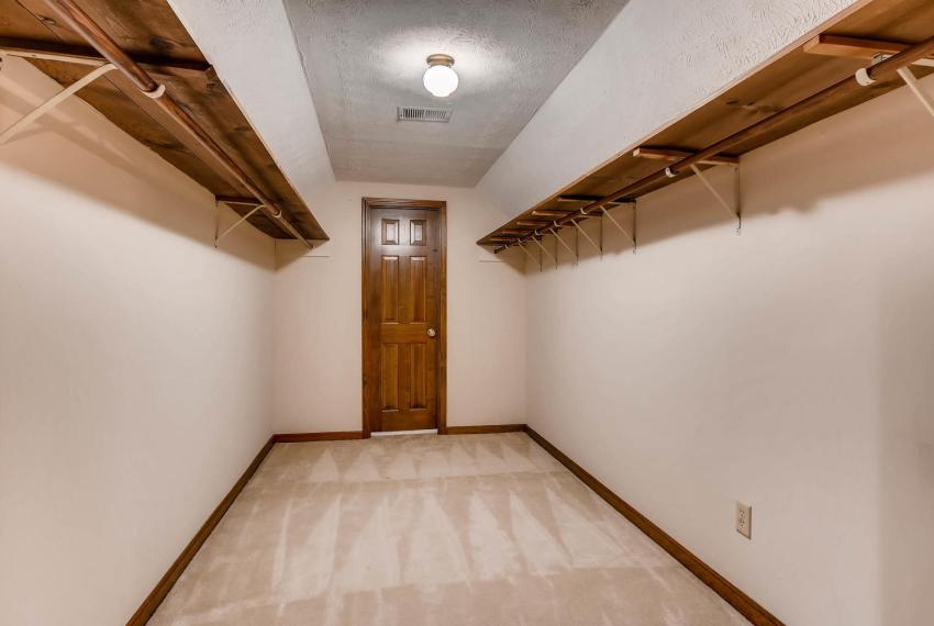 3592 Coldwater Canyon Ct-large-021-29-2nd Floor Master Bedroom-1500x1000-72dpi