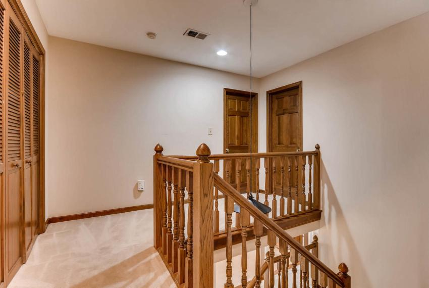 3592 Coldwater Canyon Ct-large-025-30-2nd Floor Hallway-1499x1000-72dpi