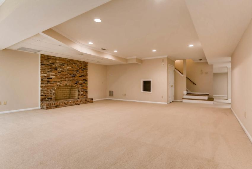 3592 Coldwater Canyon Ct-large-031-21-Lower Level Living Room-1499x1000-72dpi