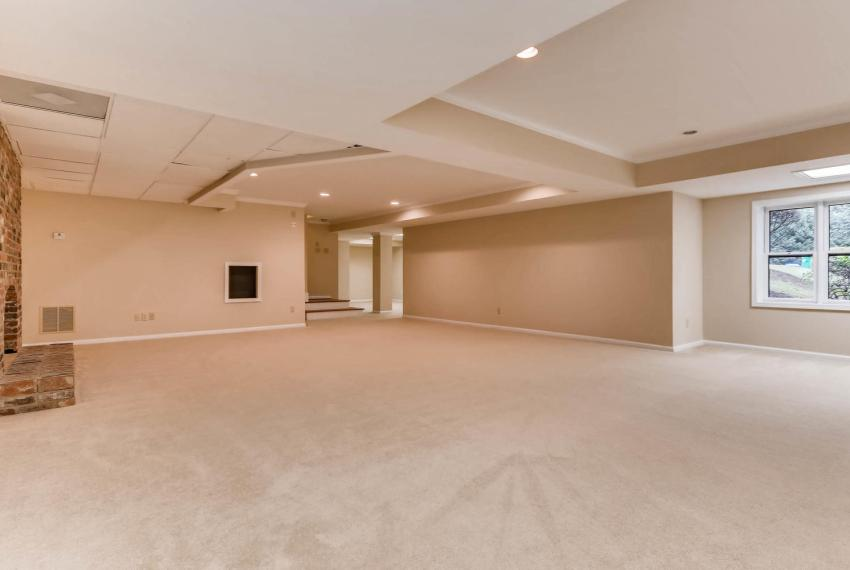 3592 Coldwater Canyon Ct-large-032-41-Lower Level Living Room-1499x1000-72dpi