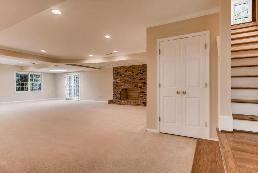 3592 Coldwater Canyon Ct-large-034-28-Lower Level Family Room-1499x1000-72dpi