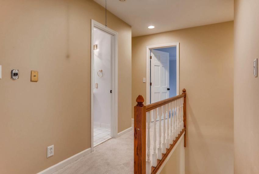 2638 Smoketree Way NE Atlanta-large-034-12-2nd Floor Hallway-1499x1000-72dpi