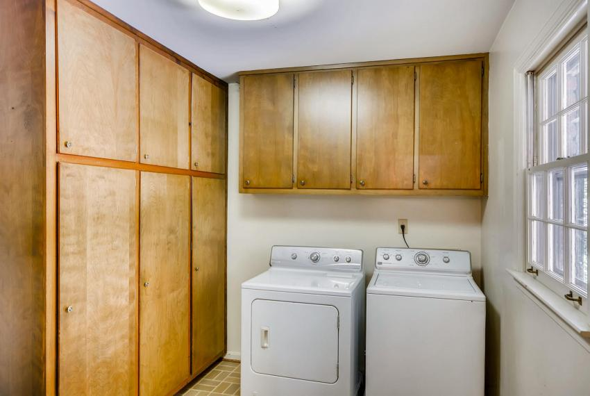 2624 Varner Drive Atlanta GA-large-032-5-Laundry Room-1499x1000-72dpi