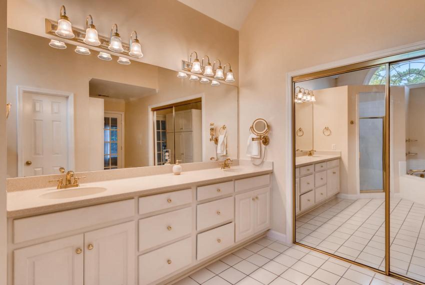 3131 Kings Arm Atlanta GA-large-030-23-2nd Floor Master Bathroom-1500x1000-72dpi