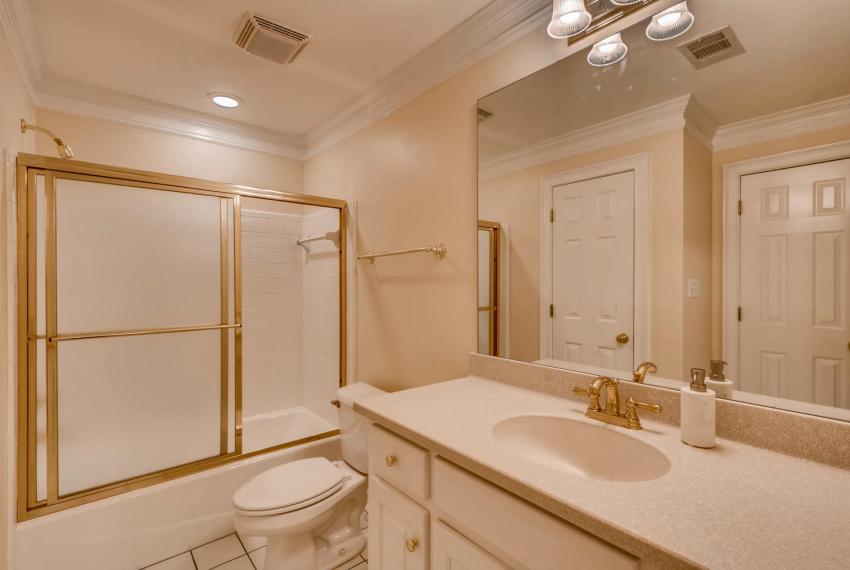 3131 Kings Arm Atlanta GA-large-039-31-Jack and Jill Bathroom-1500x1000-72dpi