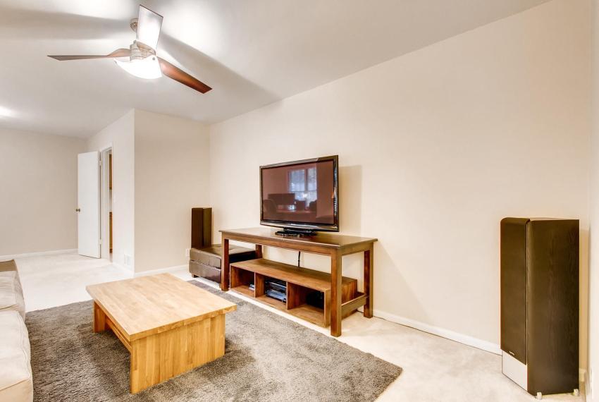 3935 Roman Court Tucker GA-large-011-17-Living Room-1500x1000-72dpi