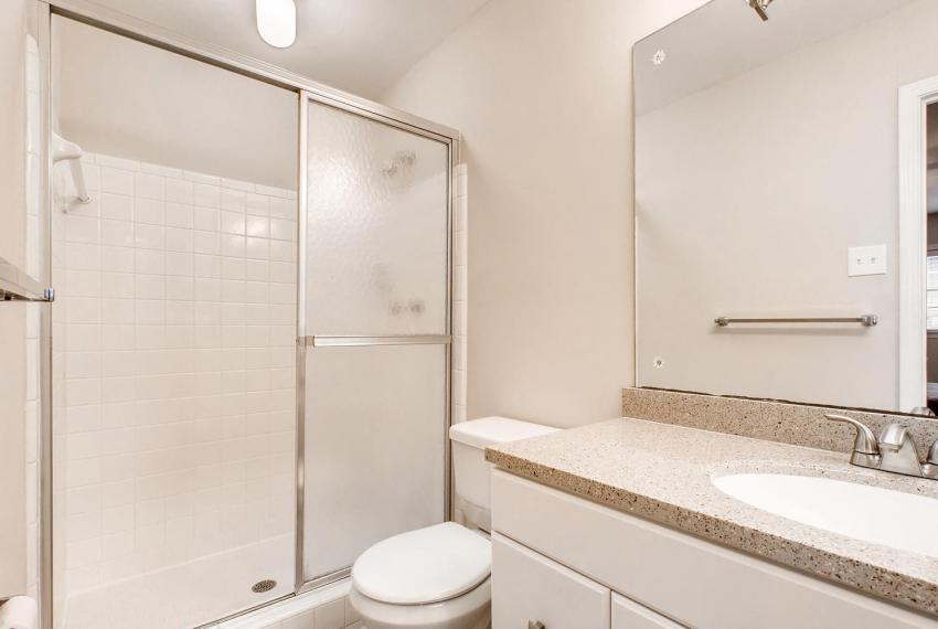 3935 Roman Court Tucker GA-large-028-5-Master Bathroom-1500x1000-72dpi