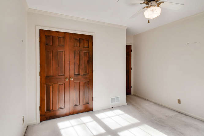 2263 Shasta Way NE Atlanta GA-small-022-2-2nd Floor Bedroom-666x444-72dpi