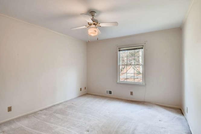 2263 Shasta Way NE Atlanta GA-small-025-7-2nd Floor Bedroom-666x444-72dpi
