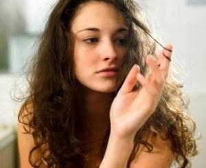 cara meluruskan rambut ikal