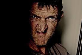 Zjevoval se ženám na ulici i v jejich domech: Skotská záhada jménem Gurning man!