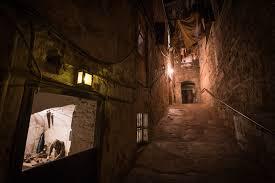 Lovci paranormálních jevů v Edinbirghu vyfotografovali tajemného muže v cylindru