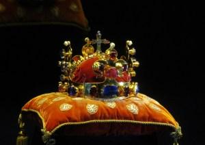 Přinesla svatováclavská koruna smrt Heydrichovi a jeho synovi?